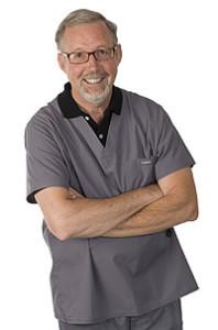 t-dr-baer-scrubs-1